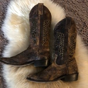 Frye Billy Hammered Studded Cowboy Boots
